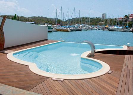 transat de piscine design maison design. Black Bedroom Furniture Sets. Home Design Ideas