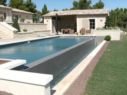 Piscine design contemporaine pas cher photos transat for Piscine moderne design
