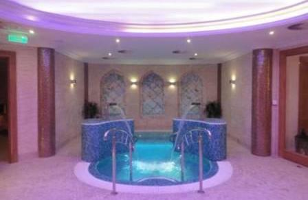 Spa jacuzzi design luxe exterieur interieur discount for Decoration interieur design pas cher